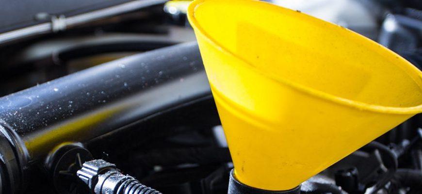Jak wymienić olej we własnym samochodzie?